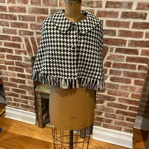 Vintage Arden B. wool shawl size small